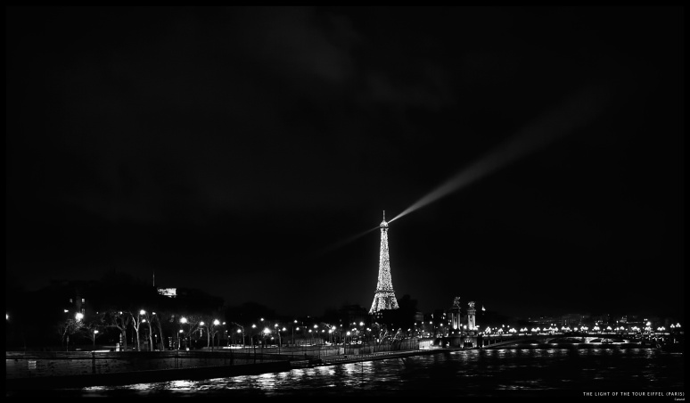 Paris - Eiffel Tower flashing lights