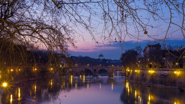 Sunset on the Tiber